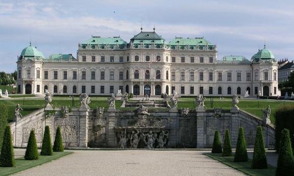 Дворец Верхний Бельведер в Вене