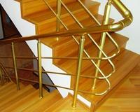 Ступени деревянной лестницы