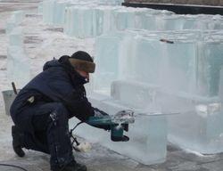 Строим ледяную крепость