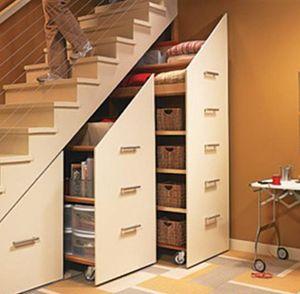 Выдвижные модули под лестницей